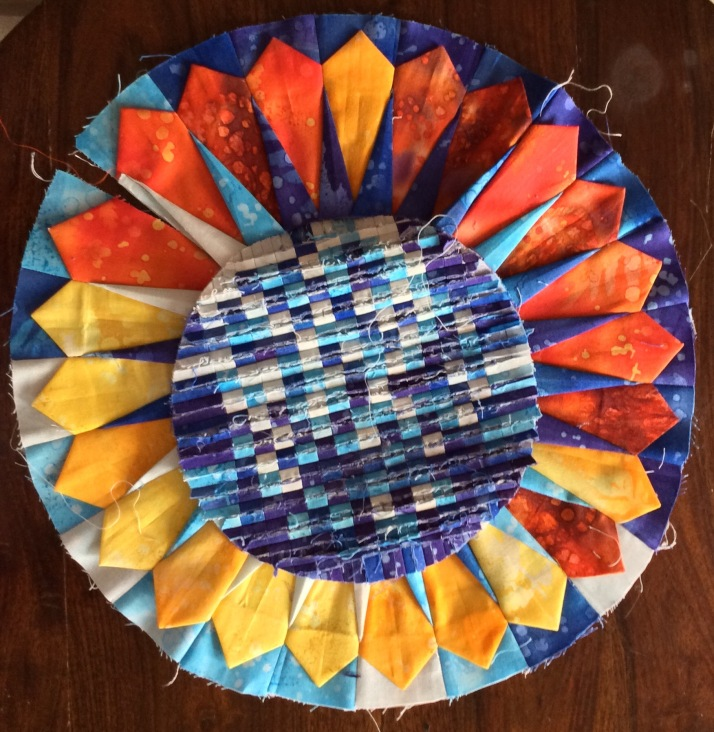 Pixellated Centre Spiked Dresden Round the Year Quilt