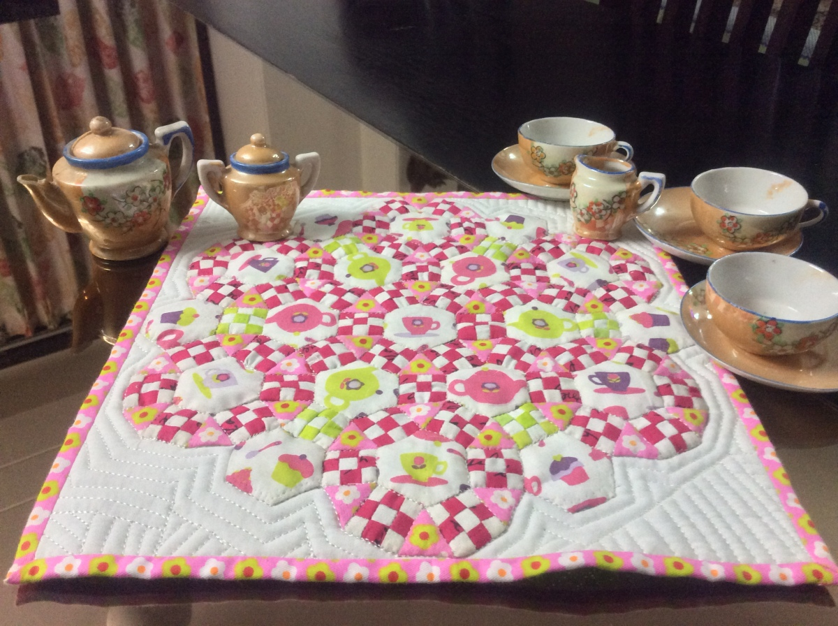 Cupcakes and Tea with Jack – A Mini Quilt